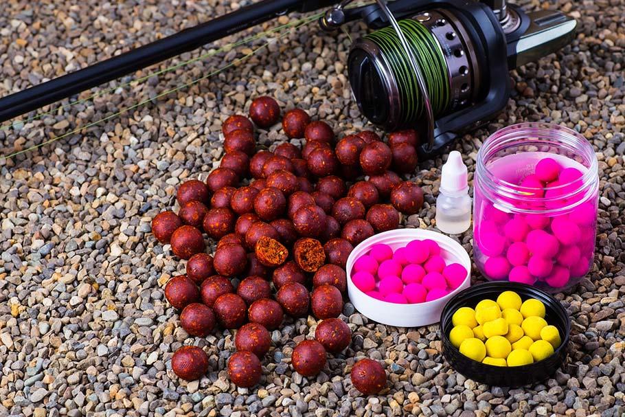 Как выбрать прикормку для рыбы (корм)