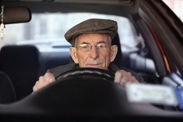 100-летний водитель