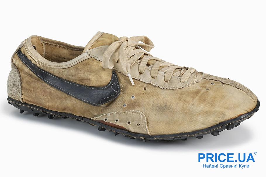 84a4cbcc В 1966 г. у Blue Ribbon Sports появляется своя первая мастерская по пошиву  обуви. Первые кроссовки, сшитые вручную, предназначены специально для бега.