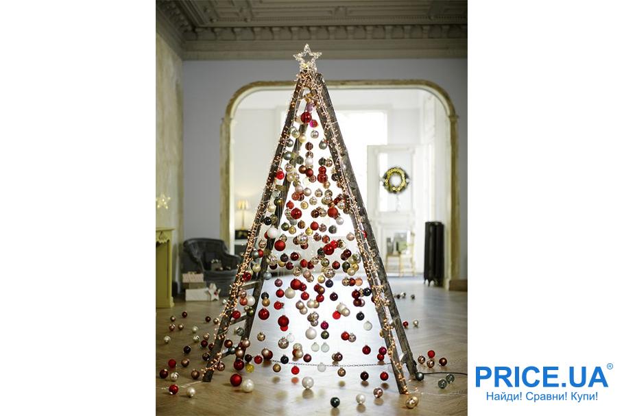 Идеи декора  офиса к новогодним празникам. Елочка-экспромт из стремянки
