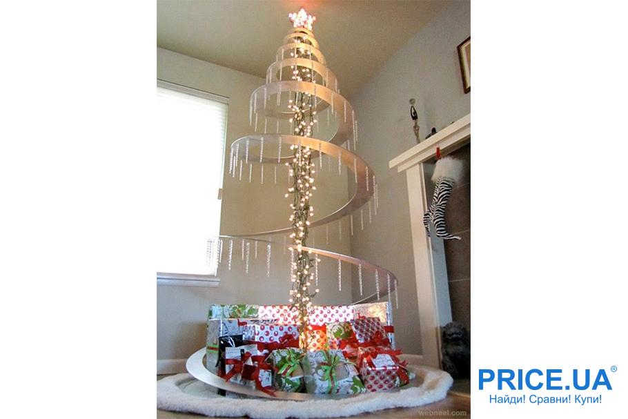 """Идеи декора  офиса к новогодним празникам. Спираль с """"сосульками"""""""