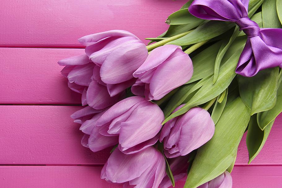 Кракелюром, тюльпаны на 8 марта открытка