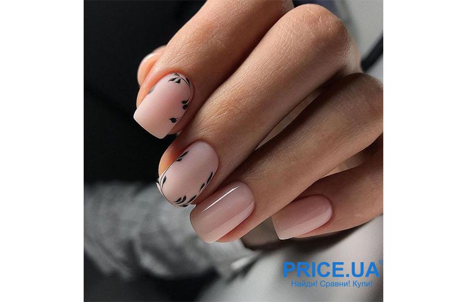 Весенний дизайн ногтей: что в топе? Нюд +цветочный минимализм