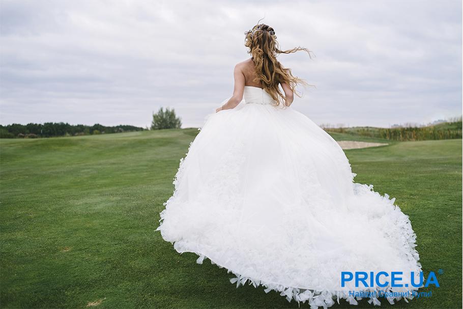 Свадебная мода 2019: тренды. Перья в декоре