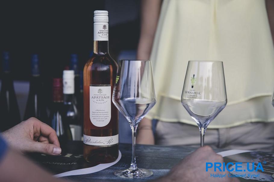 Как выбрать хорошее вино на 8 марта. Что говорит цена