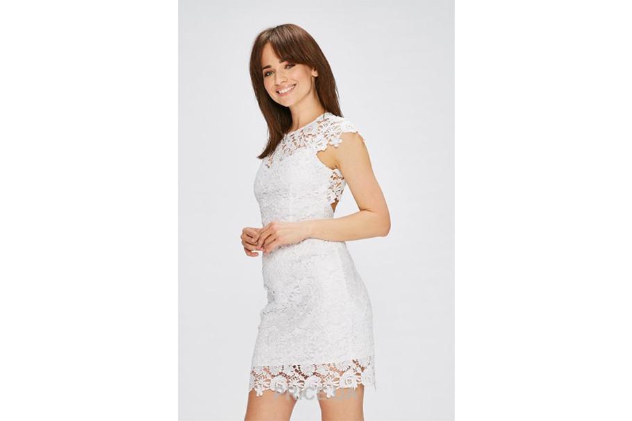 Самые модные луки для выпускницы: 9 вариантов платьев.  Минимализм и лаконичность