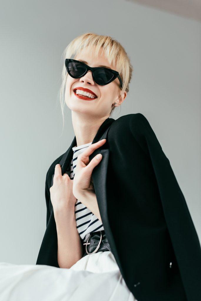 Солнцезащитные очки для женщин: что модно в 2019? Треугольная оправа