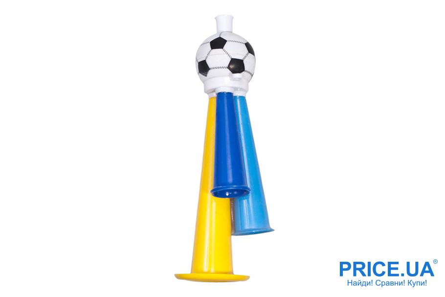 Футбольная атрибутика: без чего футбольный фанат не выйдет на матч. Свисток