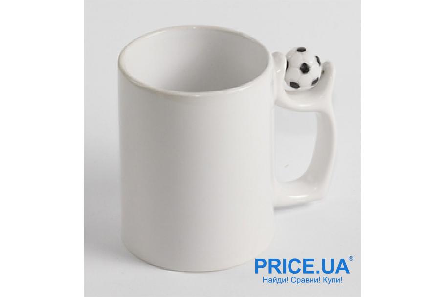 Футбольная атрибутика: без чего футбольный фанат не выйдет на матч. Чашка болельщика