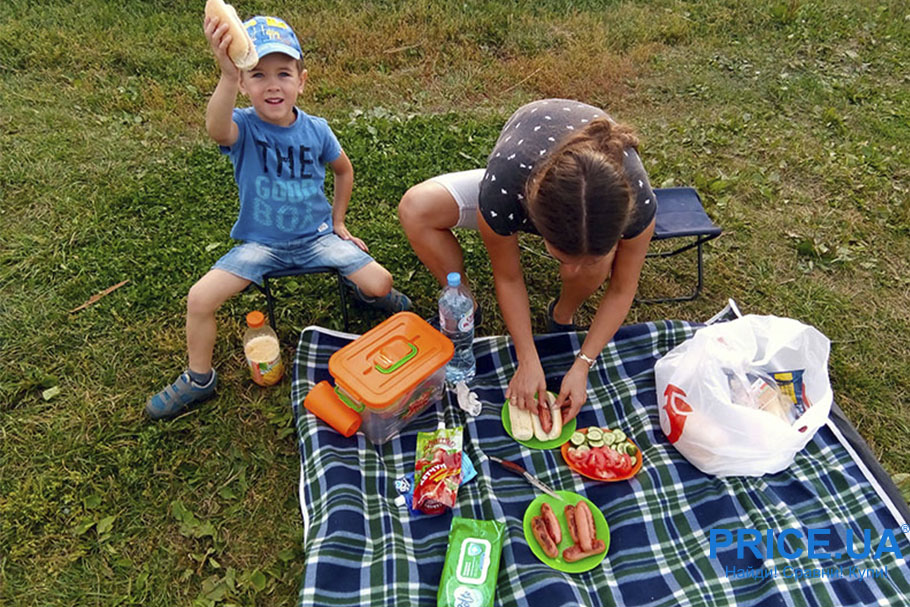 Летний отдых у речки: что прихватить для комфорта? Важные и практичные мелочки