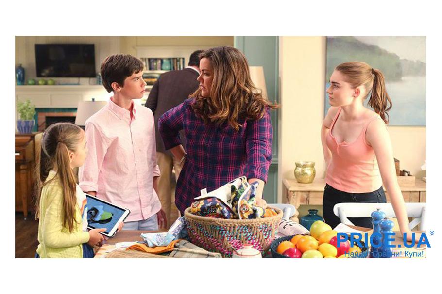 Подними настроение: топ ироничных сериалов. Американская домохозяйка (с 2016)