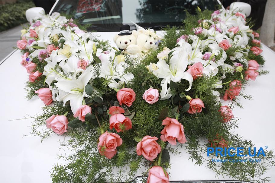 Свадьба 2019: идеи декора свадебного кортежа. Живые цветы