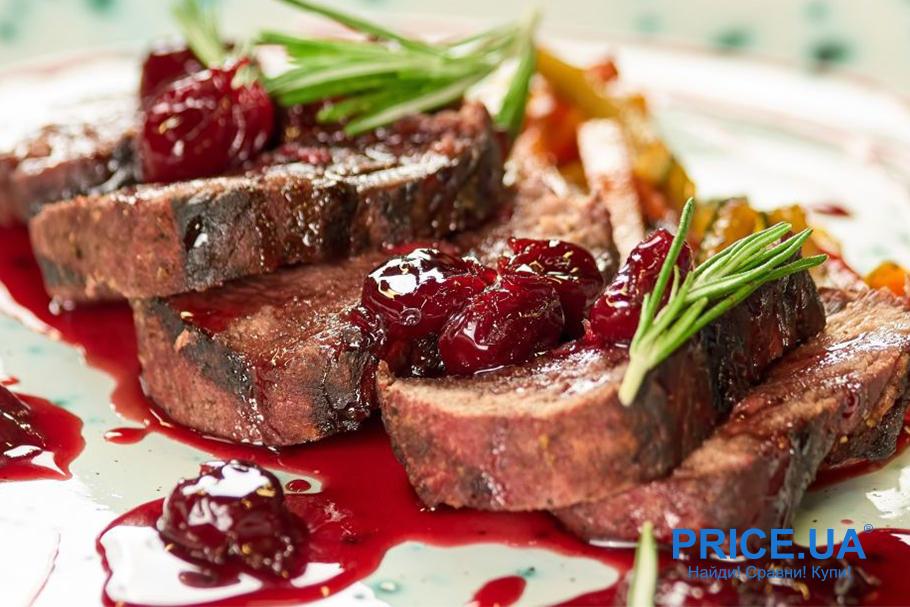 Хитовые рецепты из винограда. Свиные отбивные с соусом из винограда