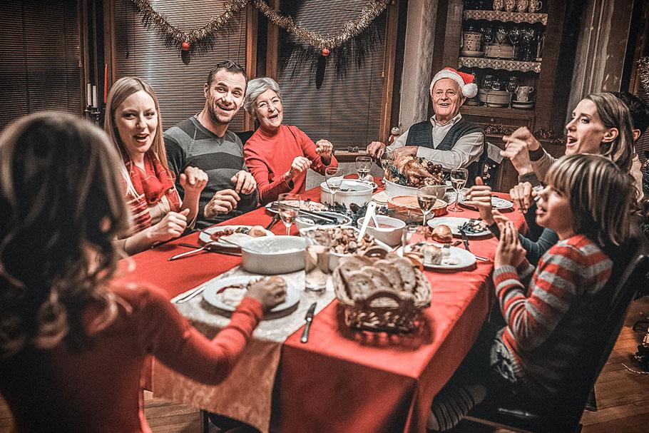 Новый год в кругу семьи: как встретить его весело